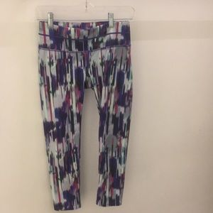 Athleta crop colorful striped leggings sz XS